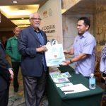 Mahfuz-ketika-hadir-pada-Seminar-Keselamatan-dan-Kesihatan-Pekerjaan-di-Sektor-Pertanian-Perikanan-dan-Perhutanan-2019-di-Kota-Kinabalu-Kredit-foto-KSM.jpg